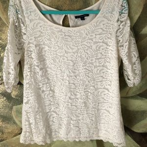 Adorable size large new lace top.